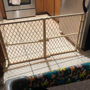 Baby Gate for Sale in Hesperia, CA