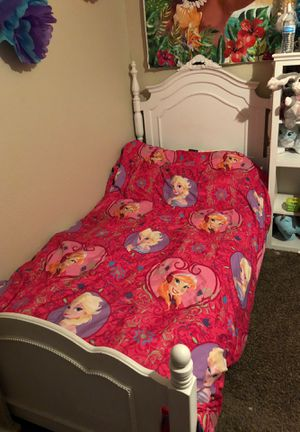 twin bed frame for Sale in Arlington, TX