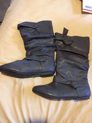 Women's boots size 8 3 pairs for Sale in Orlando, FL