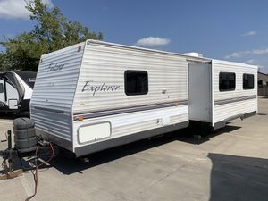 2005 Explorer Travel Trailer 30 feet long with slide out for Sale in Haltom City, TX