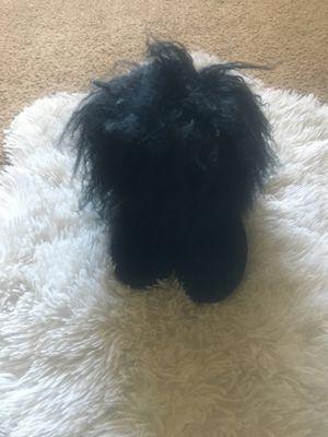 Little girl Bear paw boots size 10 for Sale in Atlanta, GA