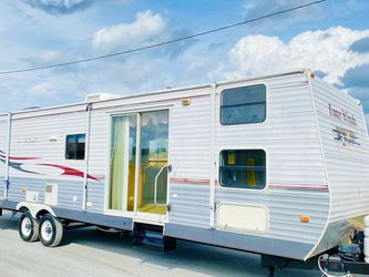 2006 Four Winds 38ft RV for Sale in Edgewood,  FL