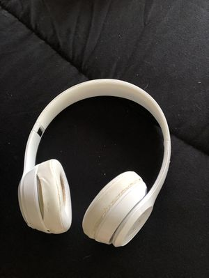 ALL WHITE BEATS SOLO WIRELESS for Sale in Pittsburgh, PA