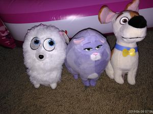 Secret life of pets plushies. Horizon and 95. for Sale in Henderson, NV