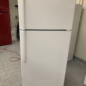 Refrigerator GE for Sale in Bloomington, CA