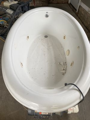 Jacuzzi Tub for Sale in Waxhaw, NC