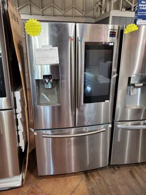 New Samsung Family Hub from scratch and dent 26 cu ft for Sale in Montclair, CA
