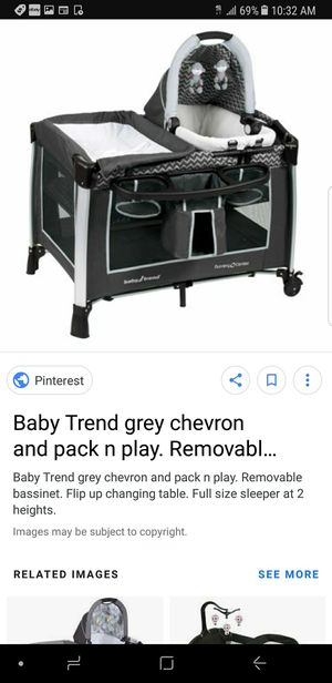 black & grey chevron play pen for Sale in Moreno Valley, CA