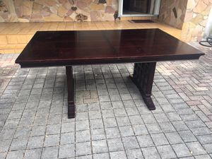 Solid wood sleek modern western style dining table for Sale in Miami, FL