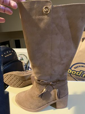 Michael Kors boots size 4 girls for Sale in Antioch, CA