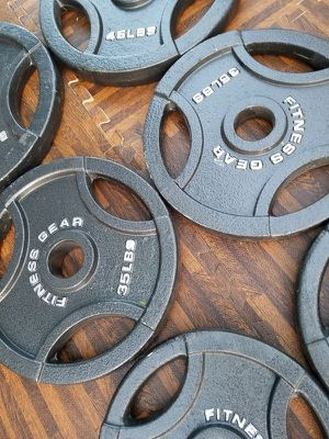 Olympic weight set for Sale in Manassas, VA
