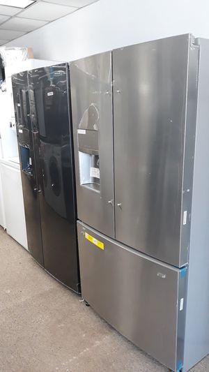 Stainless steel French doors refrigerator brand new scratch and for Sale in Laurel, MD
