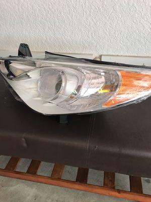 Hyundai Sonata GLS Headlight assembly! for Sale in Tampa, FL