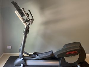 Life Fitness Elliptical for Sale in Arlington Heights, IL