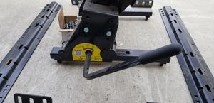 Reese 5th Wheel Trailer Hitch w/ Round Tube Slider - 16,000 lbs for Sale in Clovis, CA