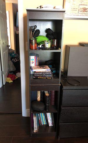 Small book shelf for Sale in Orlando, FL