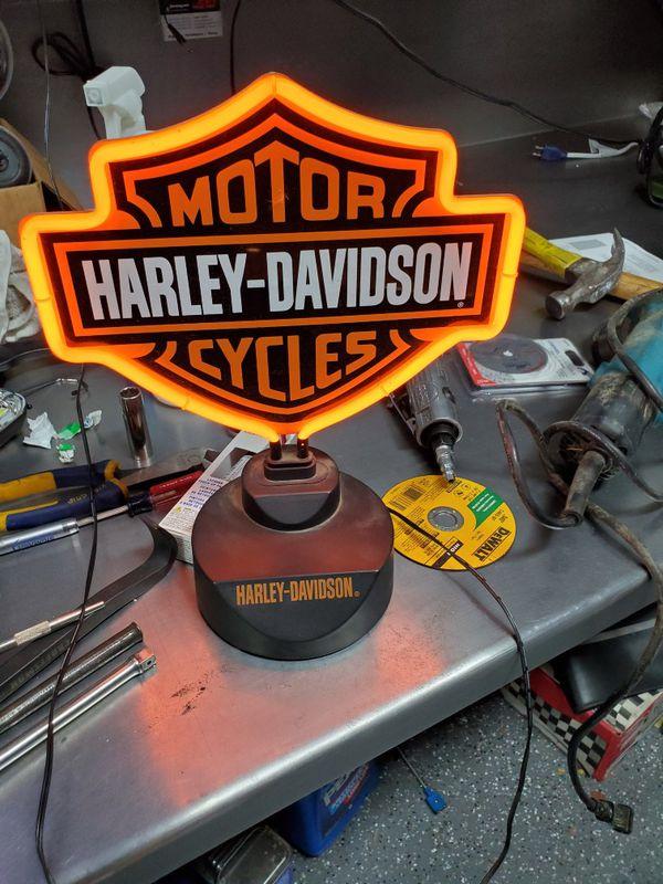 Harley Davidson neon light,