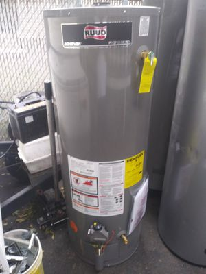Ruud 50 gallon nat gas water heater for Sale in Waltham, MA