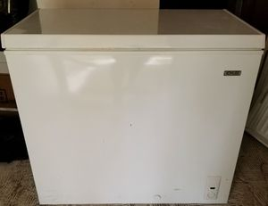 Idylis deep freezer 7.1 cubic feet for Sale in Spring Hill, FL