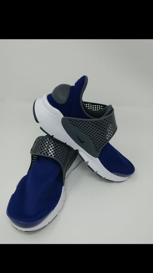 Nike womens sock dart size 7.5/6y for Sale in Seattle, WA