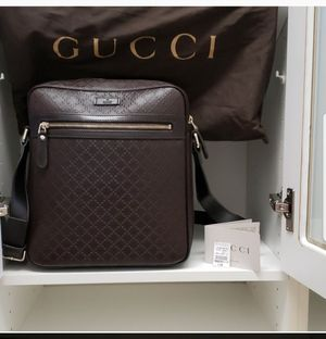 GUCCI Cross Body Bag for Sale in Town and Country, MO