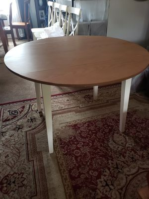 "Carey 44"" Round Drop Leaf Table for Sale in Euless, TX"
