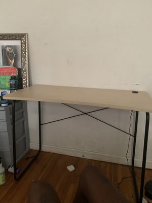 Desk $20 for Sale in San Diego, CA