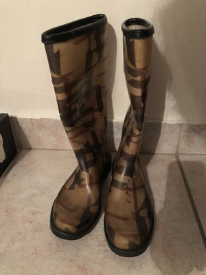 Burberry nova check rain boots flat shoes for Sale in Miami Beach, FL