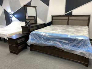 King bedroom set discounted! for Sale in Lehigh Acres, FL