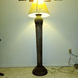 Beautiful Ceramic 5Ft. Floor Lamp for Sale in Fresno, CA