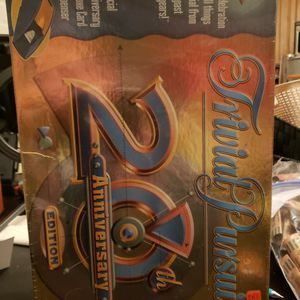 Trivial Pursuit 20th Anniversary EDITION for Sale in Puyallup, WA