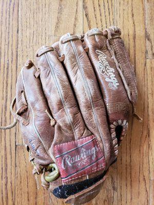 Kids right hand baseball glove for Sale in Cumming, GA