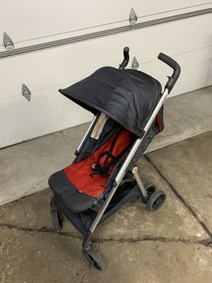 GB ZUZU BABY STROLLER SUPER COMPACT RED for Sale in Chicago, IL
