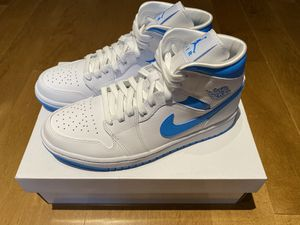 Jordan 1 Mid UNC size 9W (7.5 men size) for Sale in Needham, MA