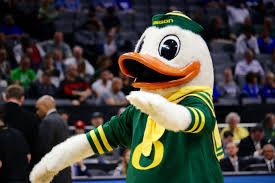 Oregon Ducks v Montana Grizzlies for Sale in Happy Valley, OR