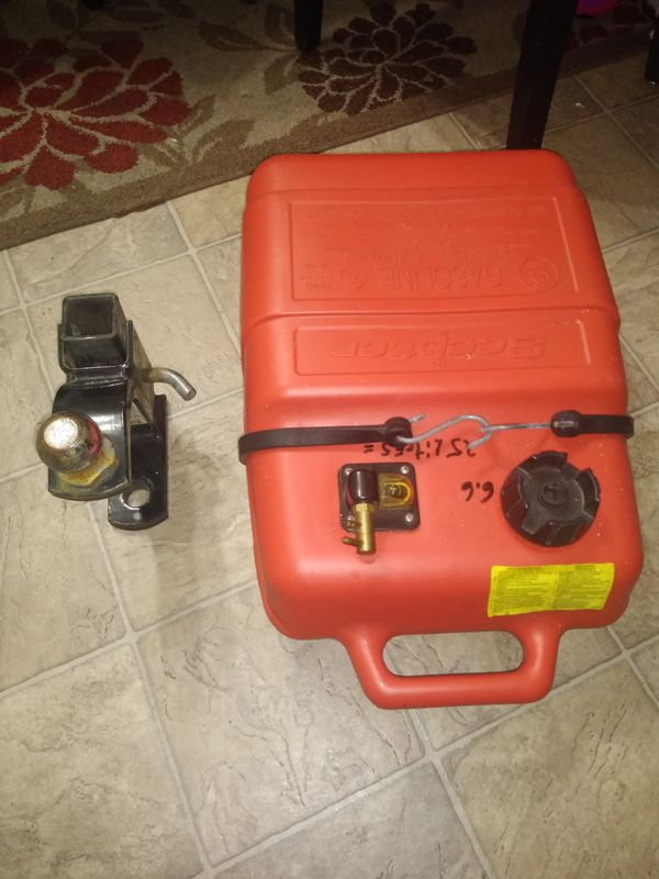 Gas tank and hitch