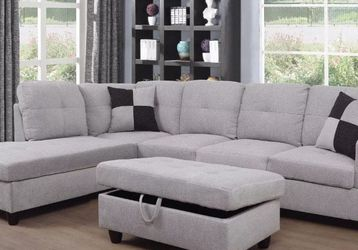 Beautiful Sectional And Ottoman for Sale in Puyallup,  WA