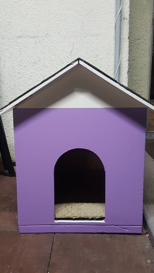 Purple Dog house for Sale in Los Angeles, CA
