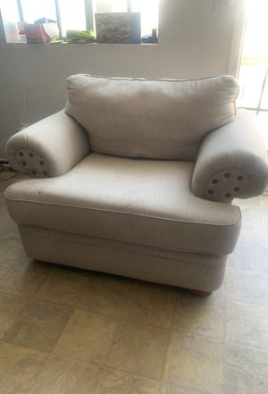 2015 Living Spaces Sofa Chair for Sale in Lakewood, CA