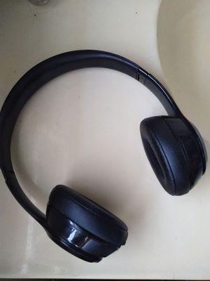 Beats Solo 3 for Sale in Moreno Valley, CA