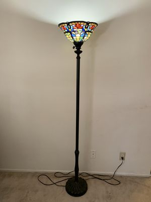 Tiffany style floor lamp for Sale in Los Angeles, CA