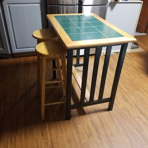 Small Table Set!! for Sale in Meriden, CT