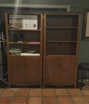 Wooden bookshelves for Sale in FL, US