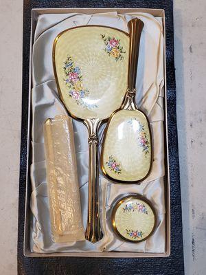 Vintage mirror, brush, comb vanity set for Sale in Las Vegas, NV