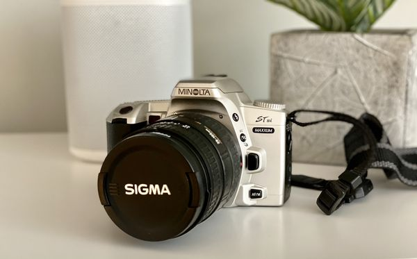 Konica Minolta STsi Maxxum 35mm Camera - Great Condition