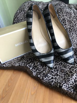 Michael Kors- Arianna Black & Silver size 10 for Sale in Chicago, IL