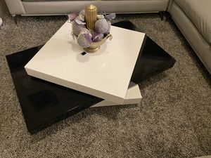3 level coffee table for Sale in Sugar Land, TX