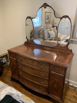 Antique Bedroom Set for Sale in Holmdel,  NJ