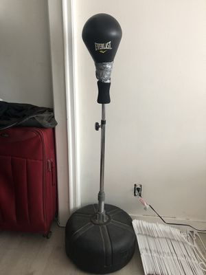 Everlast speed bag for Sale in Los Angeles, CA