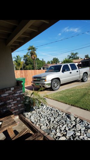 2005 Chevy Silverado 4dr for Sale in Kingsburg, CA
